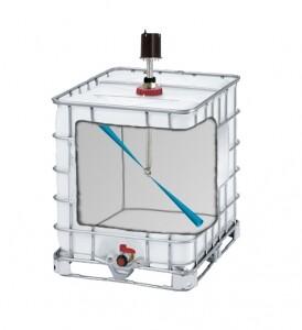 Innenansicht eines IBC Containers mit Spritzdüse